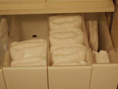 これは使える♪かさばるバスタオルを省スペースで収納する8つの方法
