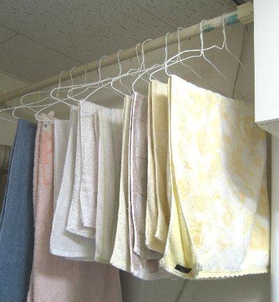 これは使える♪ かさばるバスタオルを省スペースで収納する8つの方法