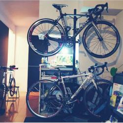 部屋に自転車があるってカッコイイ!8つの、部屋に自転車がある風景