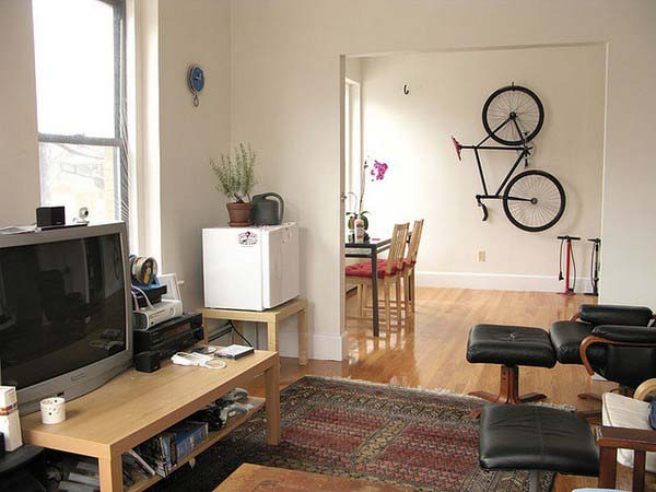 Storage-for-bicycle-dining-room-wall-decorating-ideas