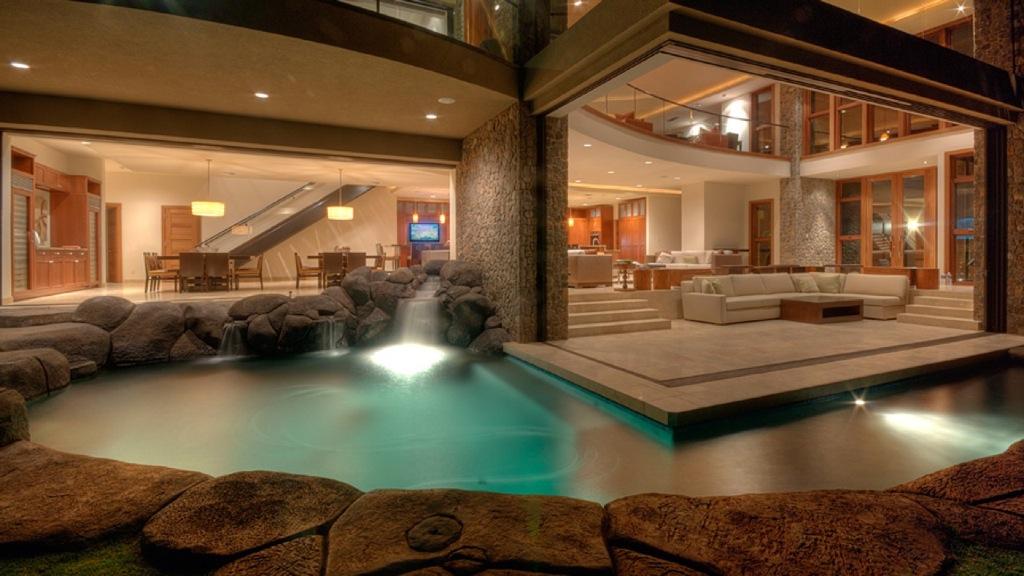 Hawaiian-pool-luxury-house