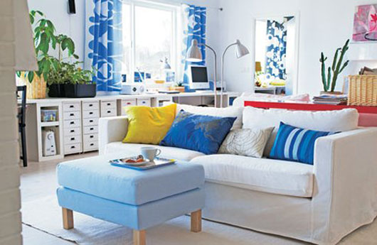 blue-white-living-room-interior-01