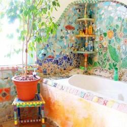 森の中のバスルーム