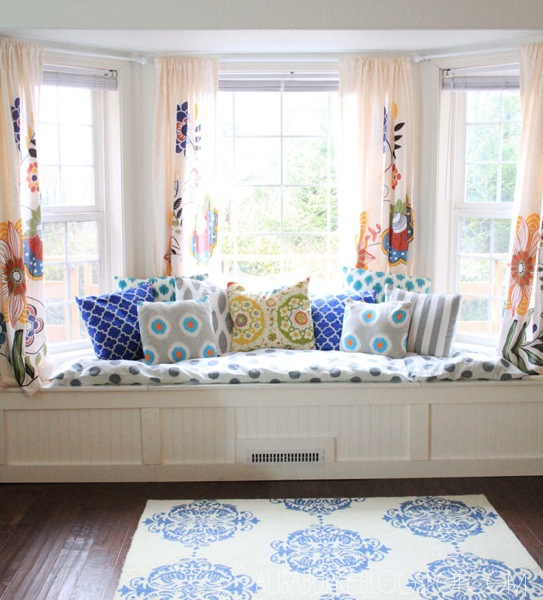 th_Beautiful-window-seat-with-cushions-also-bay-window-area-rug-and-wooden-flooring-for-family-room